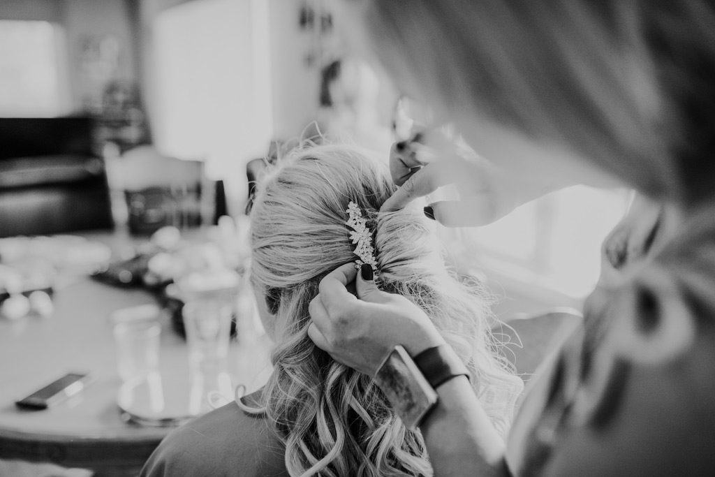 brides hair getting ready hairpiece