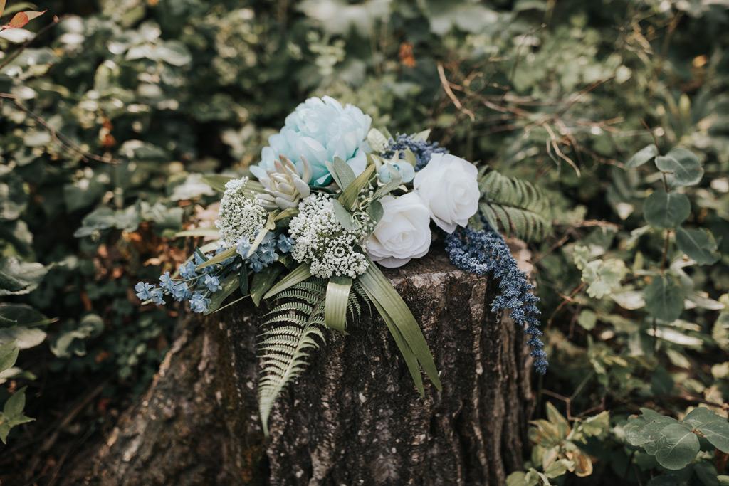 brides bouquet elkwater tree stump greenery