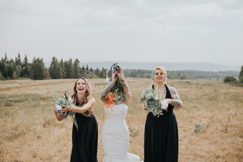 bridesmaids catch bouquets funny wedding moment