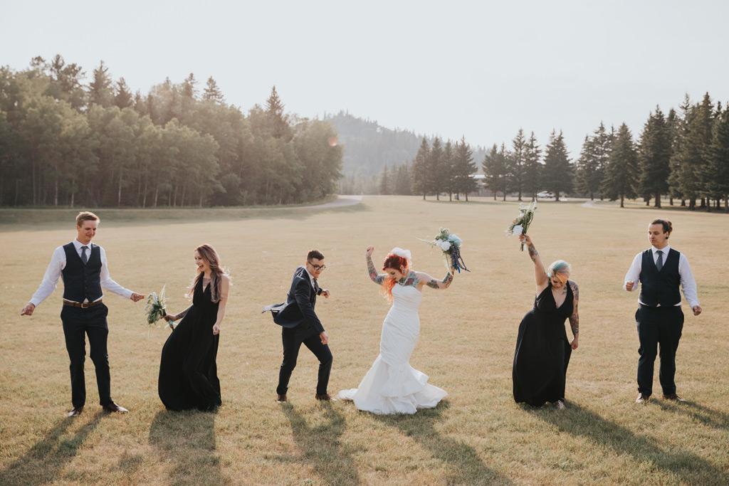 bridal party dancing elkwater